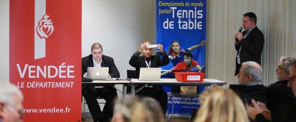 Tirage au sort compétition par équipes © ITTF/RémyGros